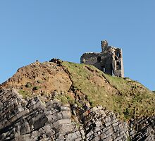 Ballybunions castle on the cliffs by morrbyte