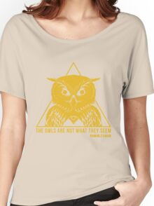 RADIOLEVANO - Twin Peaks - Owl Women's Relaxed Fit T-Shirt