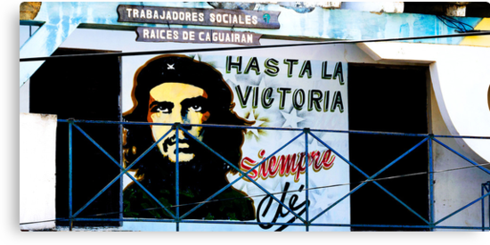 Artwork of Che on Trabajadores Sociales building, Vinales, Cuba by buttonpresser