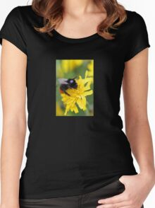 The red tailed bumble Women's Fitted Scoop T-Shirt