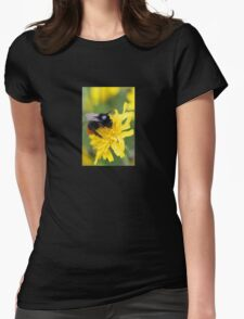 The red tailed bumble Womens Fitted T-Shirt