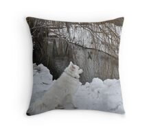 Sylvie Senses Something - A Fowl - Down By the River Throw Pillow