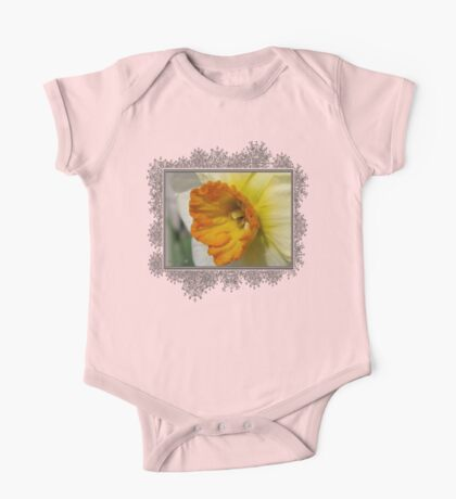 Small-Cupped Daffodil named Barrett Browning One Piece - Short Sleeve