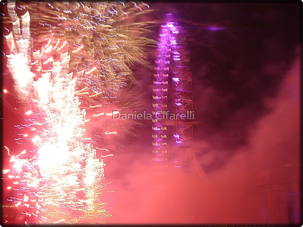 Amazing London - New year's Day Fireworks  #2 - 1st - 2011 - UK by Daniela Cifarelli