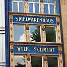 Spielwarenhaus - Munich, Germany by evilcat
