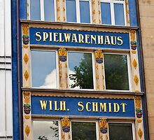 Spielwarenhaus - Munich, Germany by evilcat