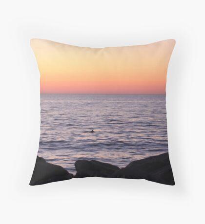 Sunrise appearance Throw Pillow