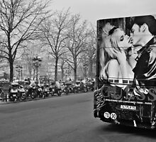 The Kiss on the Ile de la Cité by Cedric Canard