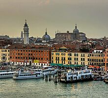 Ferries at the Riva degli Schiavoni by Tom Gomez