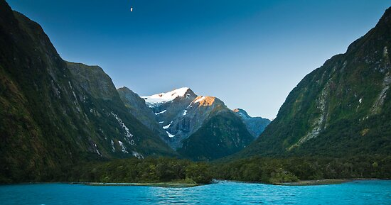 Dusk in Milford Sound by Jonathan Stacey