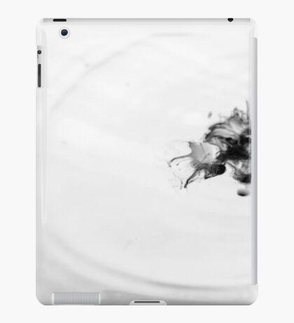 BW Splash iPad Case/Skin