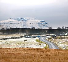 Ribblehead, towards Ingleborough by Sue Knowles