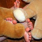 bear feet by lawsc