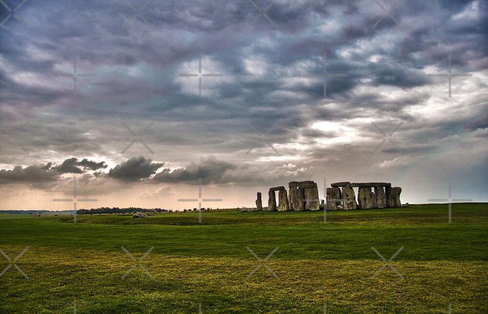 Stone Henge by Andre Gascoigne
