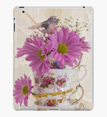 Tea Cups And Daisies  iPad Case/Skin