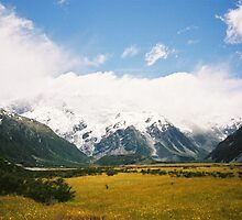 Up The Valley by wanderingtrucki