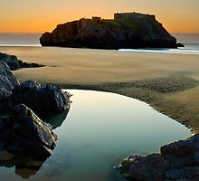 St Catherine's Island, Tenby, Pembrokeshire by steve Lockwood