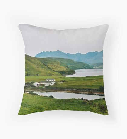 Struan and The Black Cuillin Throw Pillow