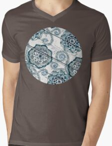 Shabby Chic Navy Blue doodles on Wood Mens V-Neck T-Shirt