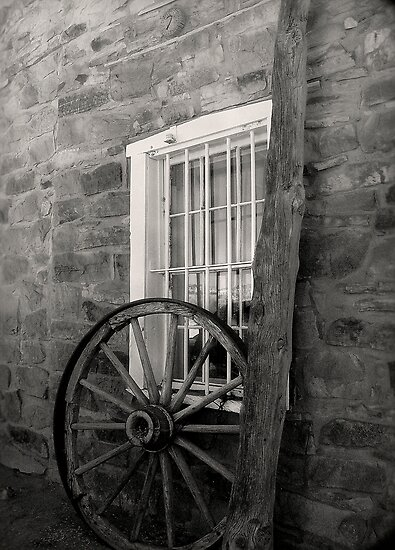 Wagon Wheel ~ Black & White by Lucinda Walter