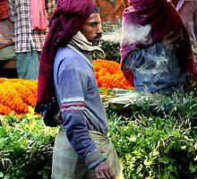 Smoko at the Flower Market (Kolkata) by BGpix