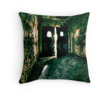 LOOMING Throw Pillow