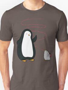 Little Penguin Likes to Draw! T-Shirt
