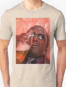 MORPHEUSDRINKINAFORTYINADEATHBASKET T-Shirt