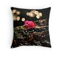 Life on standby Throw Pillow