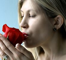 kiss for a rose a valentines day gift by thermosoflask