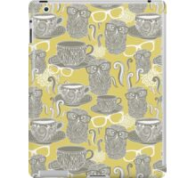 Tea owl yellow. iPad Case/Skin
