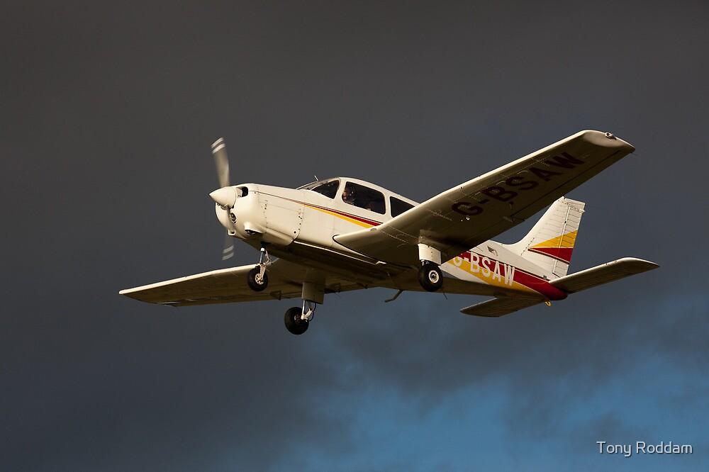 A PA 28 in flight by Tony Roddam