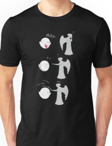 boo vs Weeping angel ! don't blink! Unisex T-Shirt