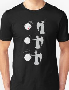 boo vs Weeping angel ! don't blink! T-Shirt