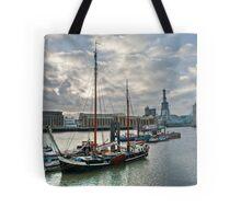 Thames River View: London, UK. Tote Bag