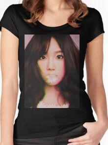 KIM TAE-YEON - GIRLS' GENERATION - KPOP IDOL - DIGITAL EDIT Women's Fitted Scoop T-Shirt