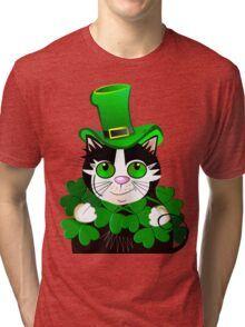 Green eyed St. Patrick's Day cat with clovers Tri-blend T-Shirt