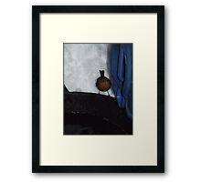 Snowy robin Framed Print