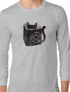 witchcraft cat Long Sleeve T-Shirt