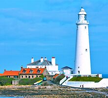 St Marys Island & Lighthouse by David  Parkin