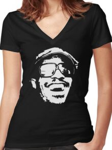 Stevie Wonder new stencil Women's Fitted V-Neck T-Shirt