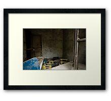 Tozlu Hatıralar Framed Print
