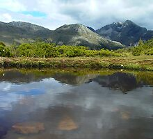 Tarn that reflection - Key Summit by orkology