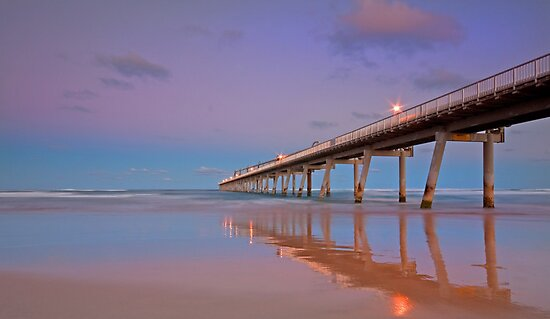 Dusk on the Spit -Gold Coast Qld by Beth  Wode