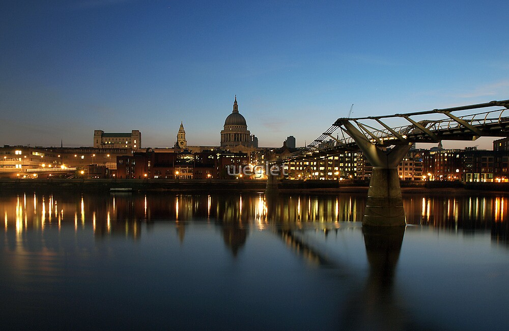 St. Paul's at dawn by weglet