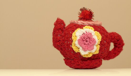 knitted teapot by weglet