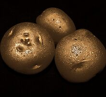 potato trio: gold by dedmanshootn