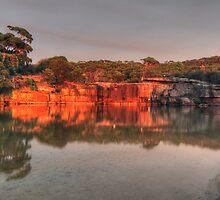 Cliffs at Wattamolla by donnnnnny
