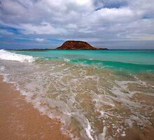 Turqiose Beach by joel Durbridge