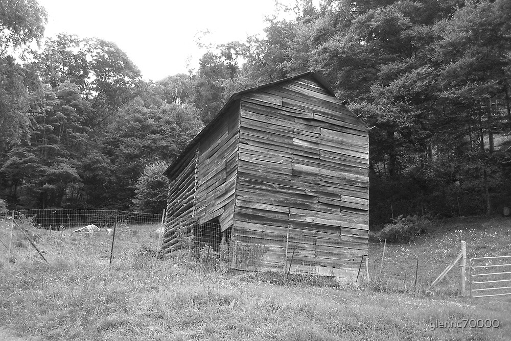 Black and White Barn - Mars Hill, N.C. by glennc70000